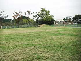 一面芝生の園庭
